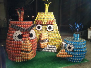 Mosaic's MosaiCAN team designed an Angry Birds canstructure for the CANstruction charity event, a design/build competitions and food drive.