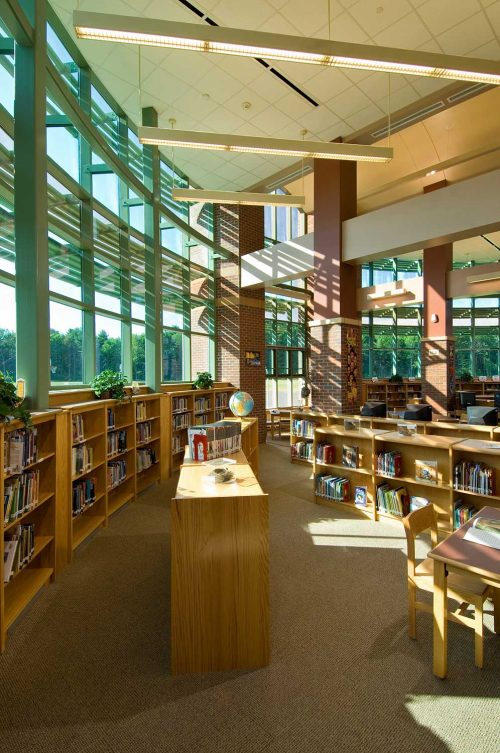 Mosaic Associates designed the Shaketon Elementary School library and media center opposite the main entrance, isolated from the academic wings to make it more easily accessible for use after hours.